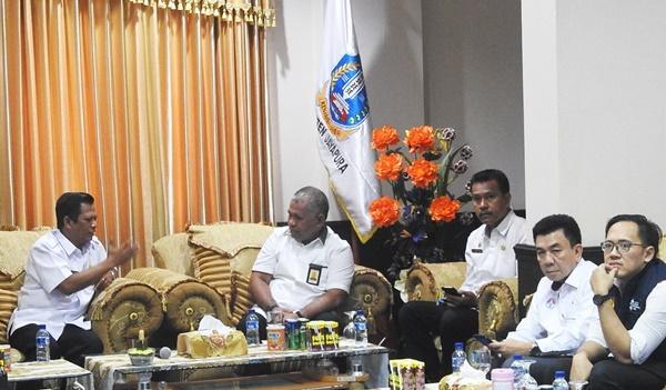 Pertemuan Wabub Jayapura, Giri Wijayantoro Bersama Staf Kepresidenan -VIP Room Bupati Jayapura