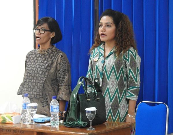 Narasumber DIklat Keprotokolan-Rina Soro dan Naniek-Provinsi Papua