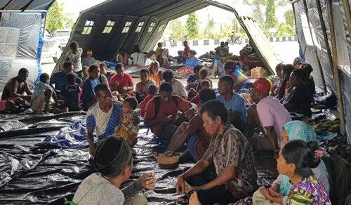 Aktivitas Warga di Kamp Pengungsian Pasca Banjir Bandang 16 Maret 2019 - Sentani Kab. Jayapura