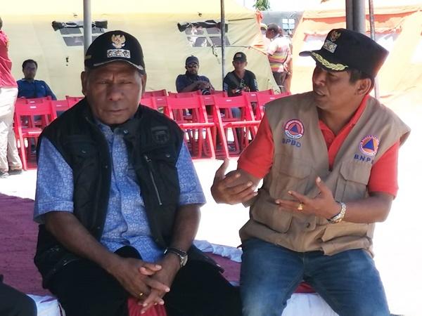 Bupati Jayapura Mathius Awoitauw, bersama Wakil Bupati Jayapura Giri Wijayantoro